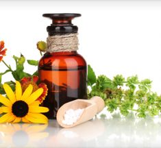THE MOST BENEFICIAL ESSENTIAL OILS (AND THEIR USES)